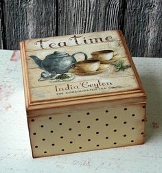 decopodge cajita de t cajita de t cajita de t cajita de t cajita de t cajita de t cajita de t Decoupage Vintage, Decoupage Box, Painted Boxes, Hand Painted, Deco Podge, Cigar Box Art, Crafts To Make, Diy Crafts, Altered Cigar Boxes