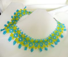 Free pattern for necklace Charly