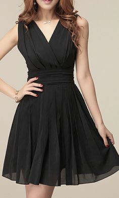 V-Neck Sleeveless Solid Color Pleated Ladylike Style Chiffon Dress For Women Cheap Dresses, Casual Dresses For Women, Lil Black Dress, Vestidos Sexy, Ladylike Style, Online Dress Shopping, Sammy Dress, Club Dresses, Short Dresses