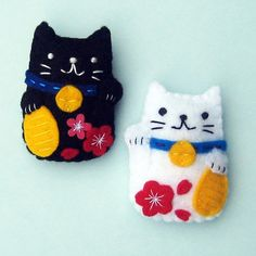 Maneki Neko Lucky Cat embroider | Felt Magnets Maneki Neko Lucky cat by yuzucha on Etsy