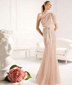 Pronovias apresenta o seu vestido de festa Condesa da coleção Compridos 2013. | Pronovias