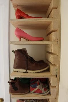 Adjustable wooden shoe rack Made to order 10 Shelf and 22 slat adjustable shoe rack made from heavy duty plywood and spruce. Height / width / shelf depth / total depth Shoe rack delivered with a plain wood finish and not pre d Wooden Shoe Racks, Diy Shoe Rack, Shoe Shelf Diy, Shoe Cubby, Shoe Shelves, Shoe Storage Rack, Rack Shelf, 18mm Plywood, Rack Design