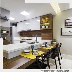 """2,678 Me gusta, 19 comentarios - ArquiteturadeCoração (@arquiteturadecoracao) en Instagram: """"Hora do almoço chegando e só conseguimos pensar nesta bela cozinha by @rochaandradearquitetura para…"""""""