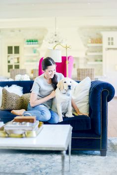 Rach Parcell of Pink Peonies in her Living Room. More reasons to say yasss to a blue sofa: www. Navy Sofa, Blue Couches, Living Room Sofa, Apartment Living, Apartment Therapy, Neutral Pillows, Beautiful Living Rooms, Pink Peonies, Houses