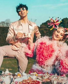 March Sophie Turner and Joe Jonas appeared in 'Sucker' music video Jonas Brothers, Brothers Wife, Sophie Turner Joe Jonas, Nick Jonas, Anastasia Karanikolaou, Game Of Thrones Funny, Suckers, Celebrity Couples, Celebrity Photos