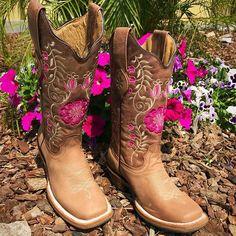"c84a9d2725 El Potrerito Western Wear on Instagram  ""🚨Shop online 🚨  😍😍www.elpotrerito.com 😍😍for La Morena boots 😍😍😍"""
