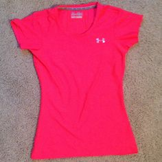 Under Armour Top Never worn workout top:) Under Armour Tops