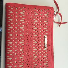 Stella & Dot clutch Stella & Dot clutch. Used one time... Cleaning out closet. Stella & Dot Bags Clutches & Wristlets