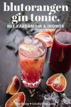 Recipe for blood orange gin and tonic with cardamom and ginger. A real drink classic, fruity and aromatic at the Tonic Drink, Gin And Tonic, Cocktails Bar, Cocktail Drinks, Cocktail Blog, Cocktail Night, Cocktail Shaker, Cocktail Recipes, Winter Drinks