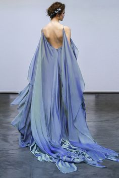 Iridescent silk chiffon wave gown in Moray. Outfit Trends, Fantasy Dress, Looks Cool, Pretty Dresses, Elegant Dresses, Sexy Dresses, Mini Dresses, Summer Dresses, Formal Dresses