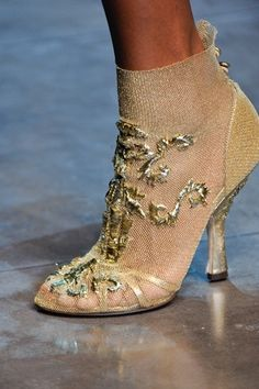 Dolce & Gabbana Fall 2012 Ready-to-Wear Accessories Photos - Vogue Dolce & Gabbana, Bootie Boots, Shoe Boots, Ankle Boots, Sock Shoes, Fashion Shoes, Fashion Accessories, Zapatos Shoes, Shoes Heels