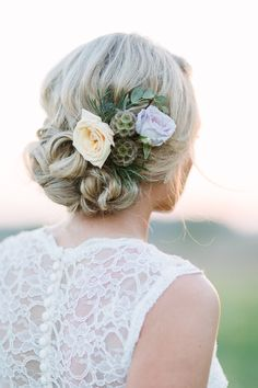 Bridal session | Flowers for the hair | James Saleska Photography | Bridal Musings Wedding Blog