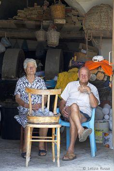 Vendita di capperi, isola di Filicudi (Sicily)