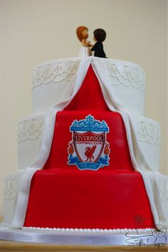 A small surprise on the back of the wedding cake. Liverpool Cake, Soccer Wedding, Fall Wedding, Our Wedding, Soccer Cake, Travel Themes, Engagement Photos, Fondant, Beauty Products