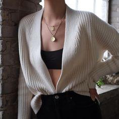 SOLD Vintage ivory 100% cotton drop shoulder cardigan, best fits xs-s. DM or comment for details. $34 + shipping.