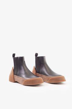 4ad5d25ecb8d17 Lela Chelsea Boot. ChaussureChelsea Bottes NoiresTalonsShoppingMode.  Designer Shoes ...