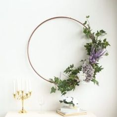 4 idee fai da te per le nozze Make Your Own Wreath, Wreath Making, Wreath Rings, Decorating Supplies, Decorating Tips, Floral Hoops, Stylish Rings, Macrame Projects, Ceiling Decor