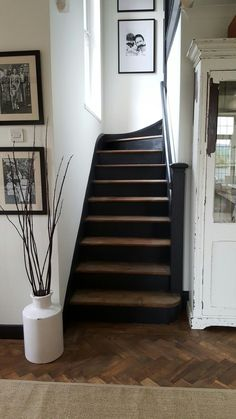 56 ideas black and white stairs diy stairways for 2019 White Stair Risers, Painted Stair Risers, Black Stair Railing, Painted Staircases, Wood Staircase, Staircase Design, Redo Stairs, House Stairs, Entryway Stairs