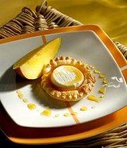 Picandou-Ziegenkäse -Törtchen mit Mango und Sauce Caramel | For me online Germany