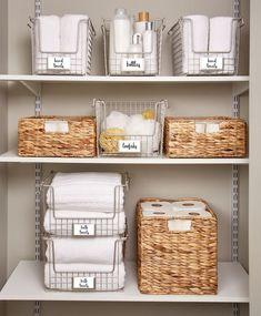 Bathroom Closet Organization, Bathroom Organisation, Home Organization Hacks, Towel Organization, Bathroom Storage, The Home Edit, Ideas Para Organizar, Home Decor, Organize