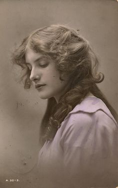 Edwardian British Beauty 1913