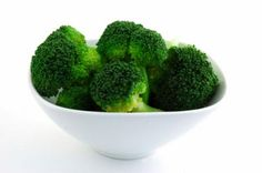 BROCCOLI     Broccoli has more vitamin C than an orange and contains high amounts of antioxidants that will help to repair your muscles and bulk up your immune system. It also contains phytochemicals which have anti-estrogen properties that help lower estrogen levels, increase testosterone and help fight off body fat storage.