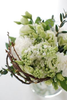 Spring Flower Arrangement with white and green Beautiful Flowers Pictures, Flower Pictures, Beautiful Bouquets, Spring Wedding Decorations, Flower Decorations, Growing Flowers, Planting Flowers, Flower Pot Design, Flowers Online
