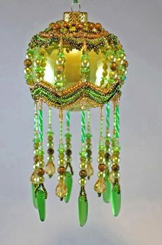 Barbara Talijan (TheOrnamentalLady) is tsalanted beadwork artist from USA who makes amazing beaded Christmas ornaments.