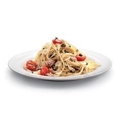 Špagety s tuňákem recept | Roman Vaněk Roman, Spaghetti, Cookies, Ethnic Recipes, Food, Alcohol, Crack Crackers, Biscuits, Essen