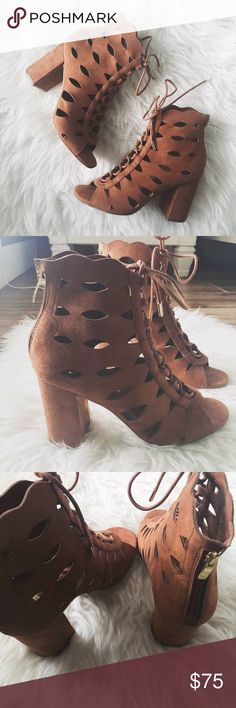 """nwt//guess • owina lace up booties : guess - um GORGEOUS!! ▫️the Owina suede heel booties in dark tan ▫️lace up front, zip up back ▫️cutout detail with peep toe  ▫️scalloped top  ▫️gold shoelace end pieces  ▫️approx 3"""" chunky heel ▫️size: 8 M ▫️condition: new with box •please see all pics, read description, and ask questions before purchasing  •no trades• Guess Shoes Heeled Boots"""