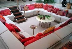 Lower your living room to create a conversation pit. 31 Insanely Clever Remodeling Ideas For Your New Home Conversation Pit, Sunken Living Room, 70s Home Decor, Home Remodeling Diy, Decoration, Decor Diy, Living Room Designs, Home Furniture, New Homes