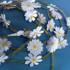 Paper Daisy Chain Garland-Bunting £5.50
