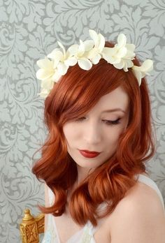 Hey, I found this really awesome Etsy listing at https://www.etsy.com/listing/177095665/wedding-crown-ivory-flower-headband