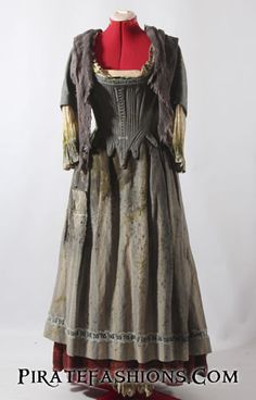 Here be the perfect Maids' Gown fer a pirate wench. Plundered from a sinking vessel from a New Amsterdam merchant (New York City Opera production of Cinderella)