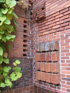 Wall detail - Muuratsalo Experimental House - Alvar Aalto