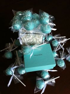 Tiffany OFF! Cake pops with Tiffany blue icing. Tiffany E Co, Tiffany Blue Party, Tiffany Birthday Party, Tiffany Cakes, Tiffany Theme, Tiffany Wedding, Tiffany Blue Weddings, Wedding Blue, Wedding Flowers