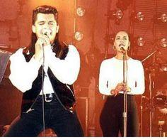 Selena Quintanilla Perez, Suzette Quintanilla, Selena And Chris Perez, Selena Selena, Amy Winehouse, Jesus Saves, Tex Mex, American Singers, Nostalgia