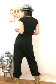 Schwarze Baggy Hose aus Sweat, Haremshose, Sarouel, Jogginghose,  Sporthose, Schwangerschafts Hose von OnniPalermo auf Etsy