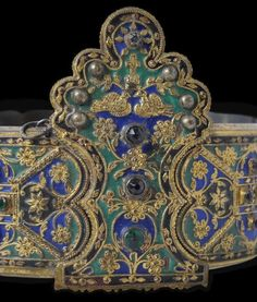 length: height of buckle: weight: Silver belt from Thasos island, with floral ornaments of multicoloured cloisonné enamel. Granulation and red glass stones. Greek Jewelry, Ethnic Jewelry, Antique Jewellery Designs, Antique Jewelry, Greek Traditional Dress, Thasos, Byzantine Jewelry, Silver Ornaments, Silver Belts