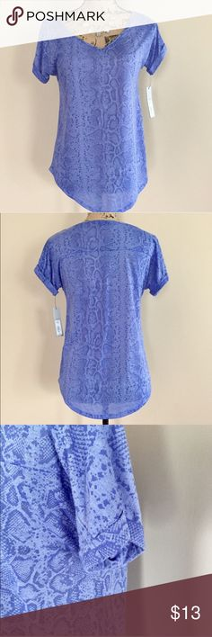 "NWT Apt. 9 burnout tee NWT periwinkle snake print burnout tee from Apt 9. Short sleeves with cuff, rounded hemline. Seam detail across shoulder blades. Size XS. 74% polyester 26% rayon. Machine wash. Bust measures 18"", length 26"".  ⭐️ Apt. 9 Tops Tees - Short Sleeve"