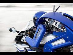 バイクを運転するヒト型ロボットをヤマハが開発し話題に!バイク世界王者へ挑戦