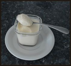 Je cherchais un dessert a faire avec ma yaourtière Creme Dessert, Cooking Tips, Panna Cotta, Tea Cups, Deserts, Food And Drink, Gluten, Pudding, Sweets