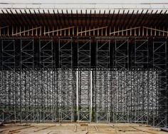 Hans-Christian Schink, A 14, Brücke Nehlitz, aus: VDE (Verkehrsprojekte Deutsche Einheit), 1998, C-Print/Diasec, 178 x 211 cm und 121 x 143 cm, Auflage 5 + 3