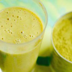Marions Morgenmuffel-weg-Zauber, Wow, it made my day. Sooo #lecker und #vegan mit Omega-3 für gute Laune und Magnesium für gute Nerven. Und mit den Biostoffen von dem #superfood #moringa . Einfach 200 ml Mandelmich, 1 Orange, 1 Banane, 1 EL Chiasamen, 2 TL Moringablattpulver. Absoluter #Vitaminbooster . #healthy #mademyday #smoothie #marion_grillparzer #glyx