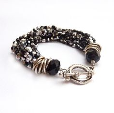 Black Beaded Bracelet Silver Multistrand por RockStoneTreasures