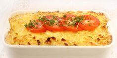 Macaroni and cheese er en amerikansk klassiker som er like enkelt som det er godt. Denne varianten spanderer noen tomater på toppen for å live opp litt.