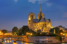 Notre Dame Cathedral in Paris wallpapers