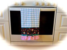 Add a pretty tea towel to your oven rail. This towel features cute little owls. I have finished the towel with a ruffle. Created by Cath. Tea Towels, It Is Finished, Tablecloths, Owls, Linens, Pretty, Dish Towels, Bedding, Kitchen Towels