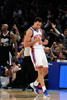 Landry Fields -- Gonna miss seeing him as a Knick this year for sure! Get Back To Work, Cute Boys, Raptors, Athletes, Sports, People, Arms, Basketball, Sport