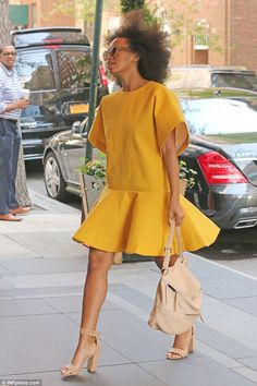 Sunny side up! Solange Knowles flashes her legs in fun yellow dress Taking shape: Solange insists he Chloe Fashion, 20s Fashion, African Fashion, Fashion Outfits, Beautiful Outfits, Cute Outfits, African Traditional Dresses, Solange Knowles, Yellow Fashion